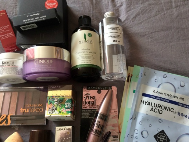 giveaway-prizes-close-up-2